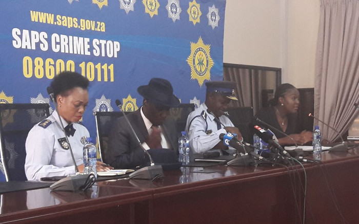 Police Minister Bheki Cele (C) briefs the media on Thursday 29 March 2018. Picture: Twitter/@SAPoliceService