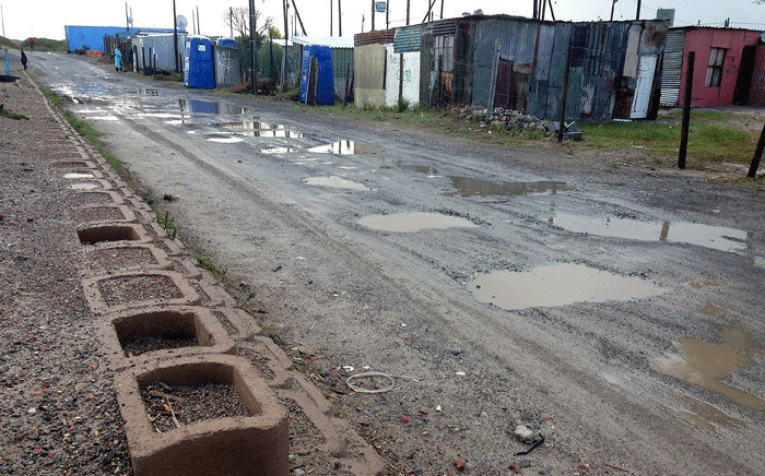 The City of Cape Town has installed platforms in Greenpark informal settlement, Mfuleni, to prevent flooding in the area. Picture: Xolani Koyana/EWN