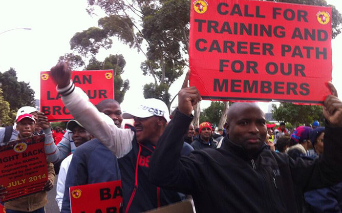FILE: Over 200,000 Numsa-affiliated workers downed tools at steel and engineering companies across the country for a 10 percent wage hike on 1 July. Picture: Mia Spies/EWN.