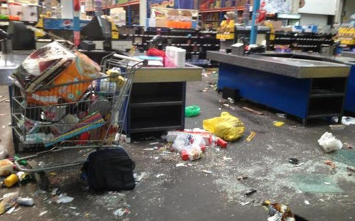 Zio Cash & Carry in Sasolburg was looted by protesters on Monday 21 January 2013. Picture: iWitness/twitter