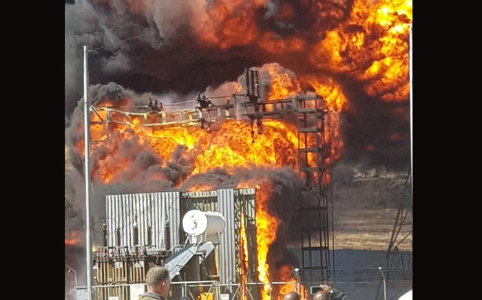 A City Power substation has caught fire in Eikonhof, southern Joburg, resulting in power outages in several areas. Picture: Twitter/@CityPowerJhb