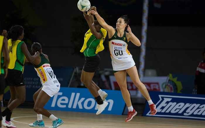 Zimbabwe tried to fight back but Proteas forwards were tough following ending the third quarter with 49-30 lead before ending the match with a 69-39 victory. Picture: @NetballSA/Twitter