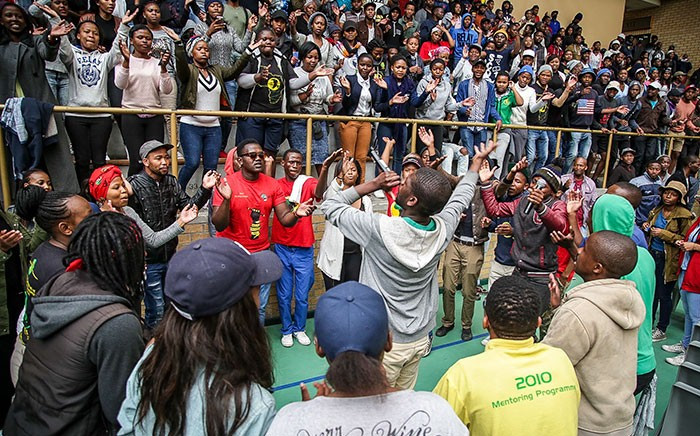 FILE: CPUT Bellville Fees2017 protesters sing before the general assembly with the Vice Chancellor. Picture: Anthony Molyneaux/EWN
