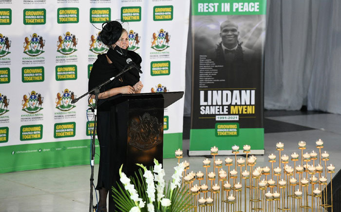 Mrs Lindsay Myeni, the wife of Lindani Myeni, paying tribute to her late husband at his funeral in eSikhaleni on 8 May 2021. Picture: @kzngov/Twitter