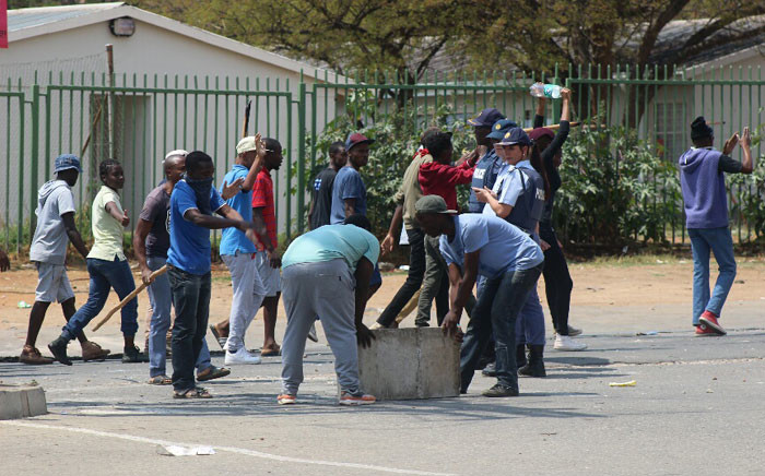 FILE: A police officer on duty. Picture: Saps