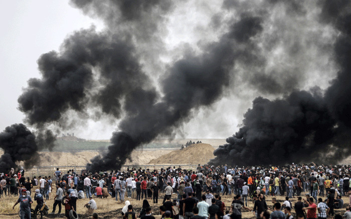A picture taken on 4 May 2018 from the border with Israel in the northern Gaza strip east of Gaza City shows a general view of a clashes between Palestinians and Israeli forces. Picture: AFP