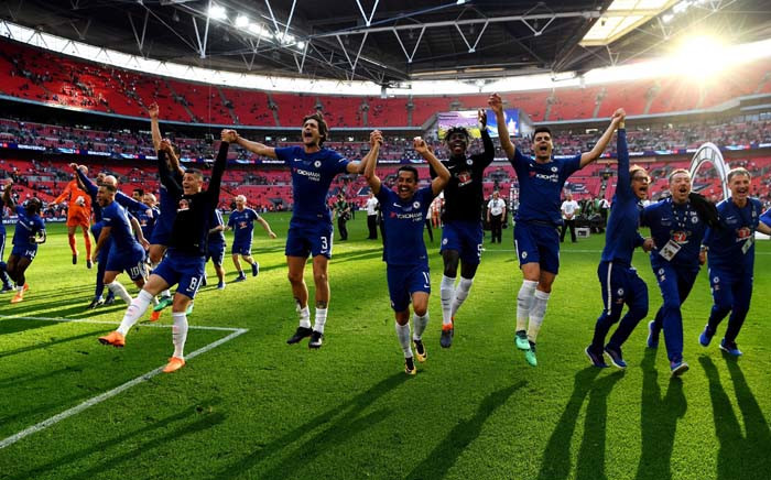 Chelsea celebrate winning the final with the trophy. Picture: @ChelseaFC/Twitter.