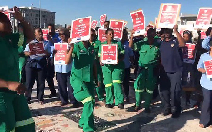 FILE: EMS staff in Cape Town protested against attacks on staff on 10 March 2017. Picture: Lauren Isaacs/EWN