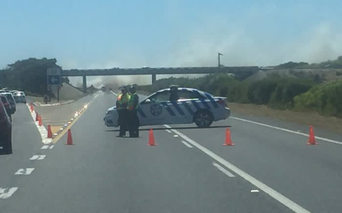 Western Cape traffic authorities closed the N2 Highway near Khayelitsha on Sunday 3 January 2016, where a veld fire is raged on. Picture: @TrafficSA via Twitter.