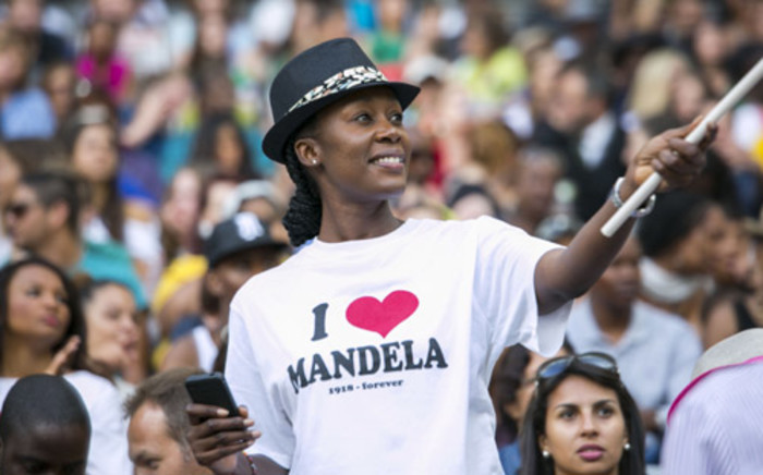 More than a week after his passing, South Africans will continue paying tribute to Nelson Mandela. Picture: Stephen Phillipson/EWN.