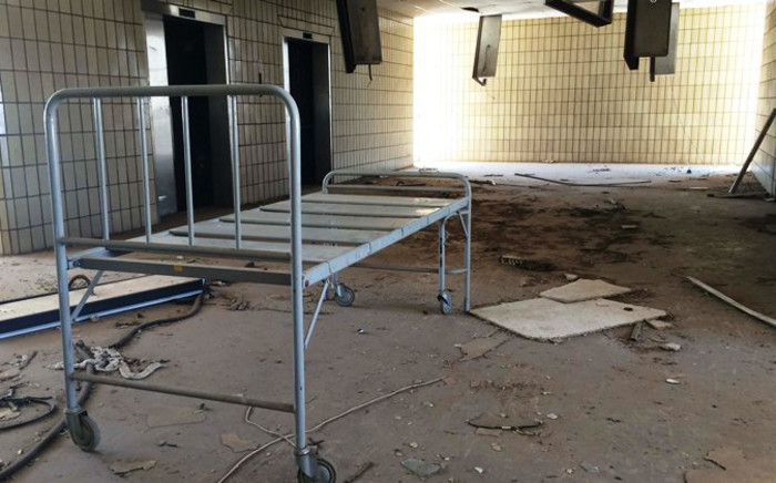 Security guards are paid monthly to look after the abandoned Kempton Park Hospital with taxpayers' money. Picture: Christa Eybers/EWN.