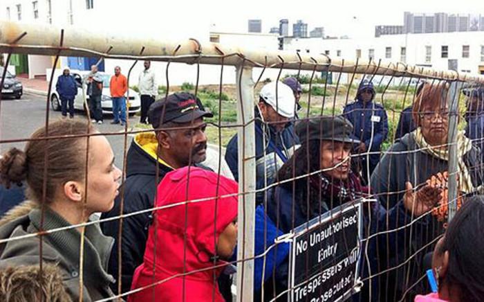 District Six flat invaders refuse to budge on 21 June 2013. Picture: Graeme Raubenheimer/EWN