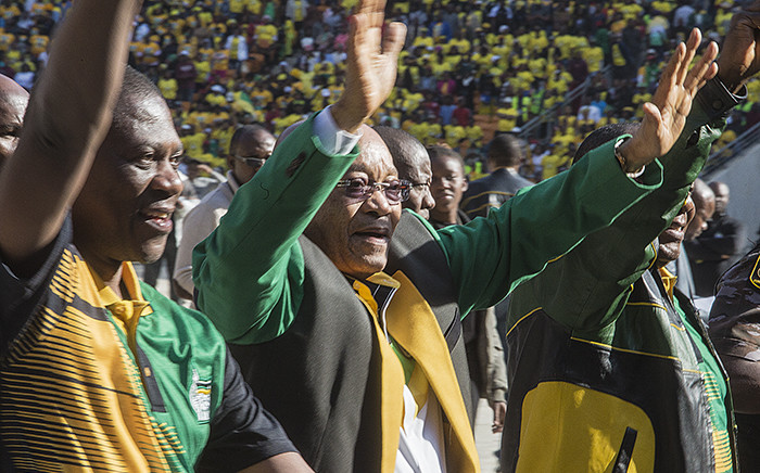 ANC President Jacob Zuma and Gauteng ANC chair Paul Mashatile wave at the crowd of thousands of party supporters during their Gauteng Manifesto launch at the FNB stadium in Soweto on 4 June 2016. Picture: Reinart Toerien/EWN