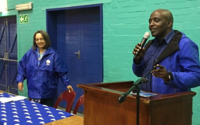 FILE: Cape Town Mayor Patricia de Lille  (L) pictured with the late Democratic Alliance councillor Xolile Gwangxu. Picture: Twitter/@PatriciaDeLille