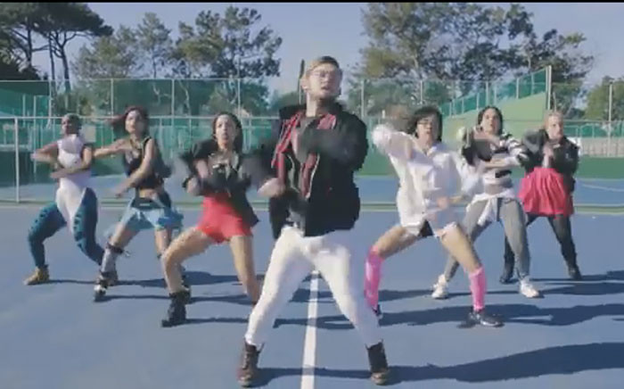 YouTube screengrab of Rudi Smit dancing with his crew to 'Me Too'.