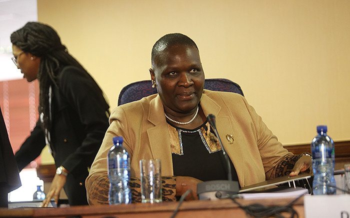 FILE: Suspended National Police Commissioner Riah Phiyega prepares ahead of closing arguments at the inquiry into her fitness to hold office in Centurion on 1 June 2016. Picture: Reinart Toerien/EWN.