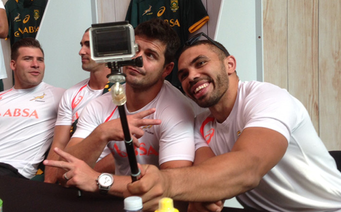 Brian Habana poses for a selfie with Springbok teammate Morne Steyn. Picture: Vumani Mkhize/EWN.