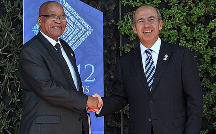 President Jacob Zuma is welcomed by Mexican President Felipe Calderon for the G20 Summit in Los Cabos. Picture: GCIS
