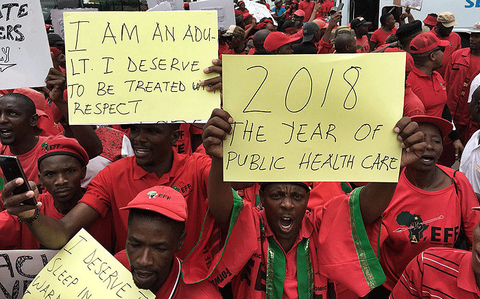 Local residents and EFF members marched to the  Chris Hani Baragwanath Hospital to demand quality healthcare, on 28 February 2018. Picture: Ihsaan Haffejee/EWN.
