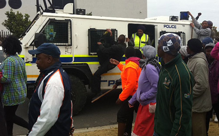 Du Noon residents protest against poor service delivery on 26 July 2013. Picture: Lauren Isaacs/EWN