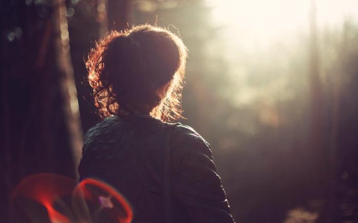 nature-woman-alonejpg