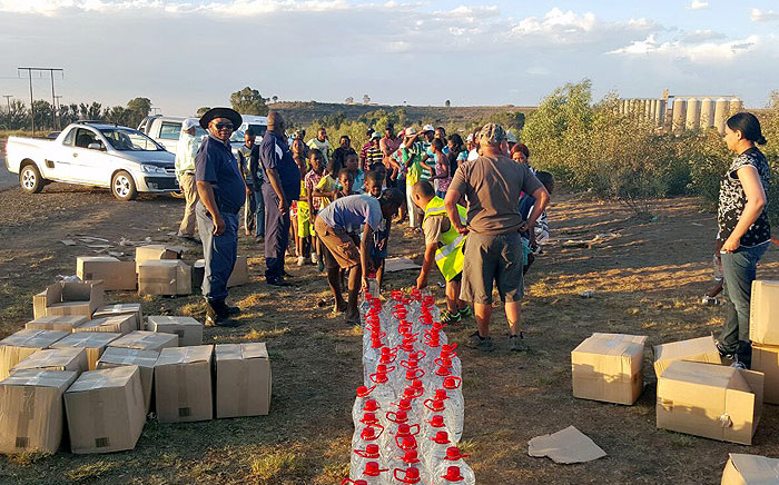 FILE: Operation Hydrate distributes water to residents of Senekal in the Free State on 9 January 2015. Picture: Operation Hydrate SA Initiative/Facebook.