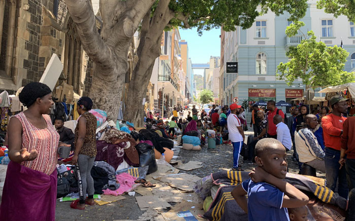 FILE: Foreign nationals are seen at the Greenmarket Square in the Cape Town CBD on 5 November 2019. Picture: Kaylynn Palm/EWN