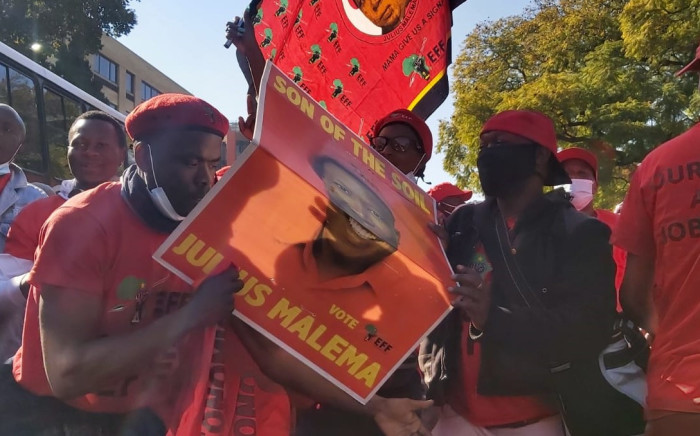 Members of EFF march to the offices of the SAHPRA on Friday, 25 June 2021. Picture: Boikhutso Ntsoko/Eyewitness News