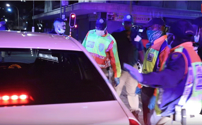 Police, supported by members of the SANDF and private security, were on standby at the start of the lockdown to make sure that South Africans complied with the strict rules. Picture: EWN.