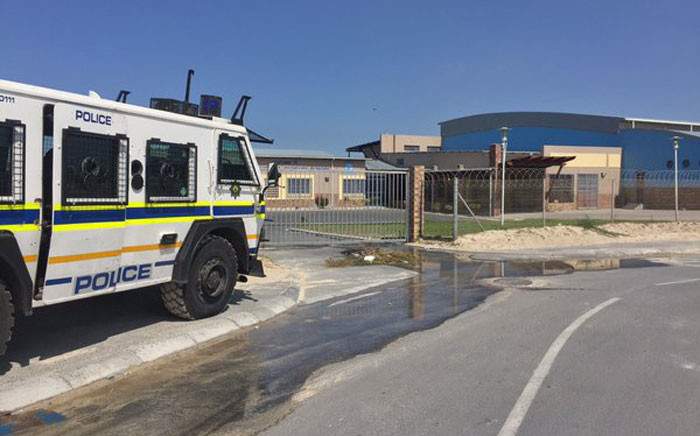 Voting station in Kuyasa remained closed due to protests & IEC officials packed up. Picture: Xolani Koyana/EWN.