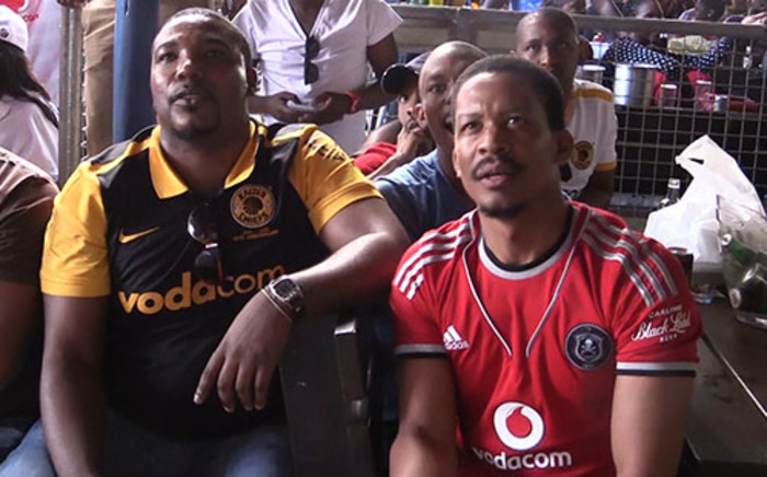 Scores of fans, who were unable to attend the match, flocked to their nearby local hangouts to support their sporting heroes. Picture: Reinart Toerien/EWN