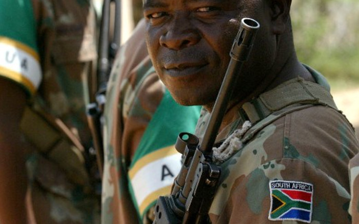 A South African soldier bearing the nation's flag on his uniform. Picture: Werner Beukes/Sapa