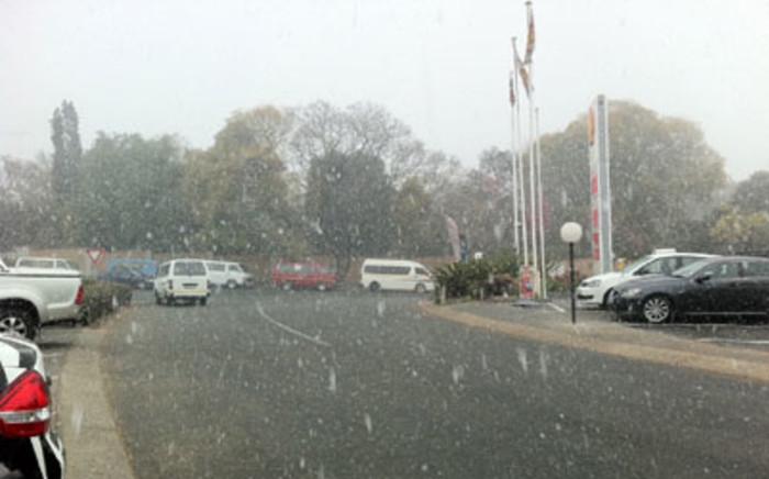 Snow falls in Rosebank. Picture: Gia Nicolaides/EWN.