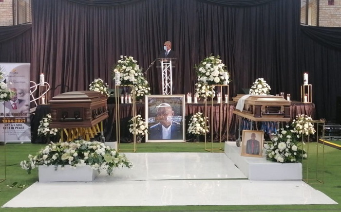 Arts, Culture and Sports Minister Nathi Mthethwa paid tribute to the late icon Menzi Ngubane at a joint funeral where Ngubane and his father were being bid farewell on Saturday, 20 March 2021. Picture: Nathi Mthethwa/Twitter.