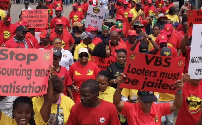 Cosatu marched to the office of Limpopo Premier Stan Mathabatha to put pressure on him to take action against those implicated in the VBS Mutual Bank fraud. Picture: @_cosatu /Twitter