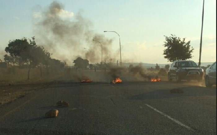 Protests at Thembelihle in Lenasia. Picture: Imtiaz Dasoo/iWitness