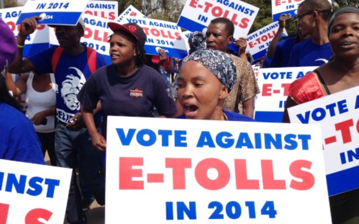 Members of the Democratic Alliance march against the implementation of the controversial e-tolling project. Picture: Sebabatso Mosamo/EWN.