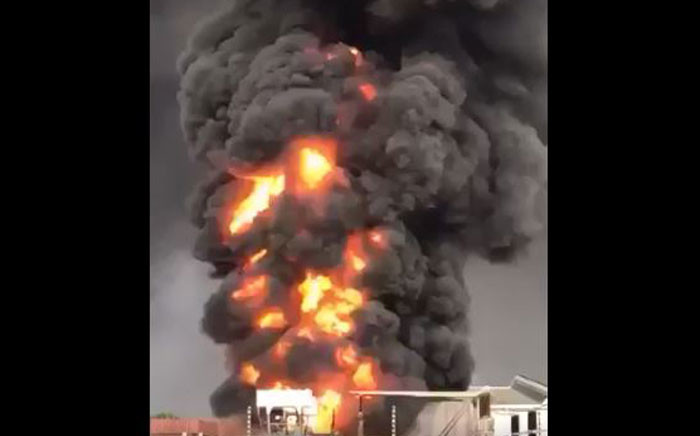A Jet Park substation caught fire amid Gauteng storms on 9 October 2017. Picture: Twitter.