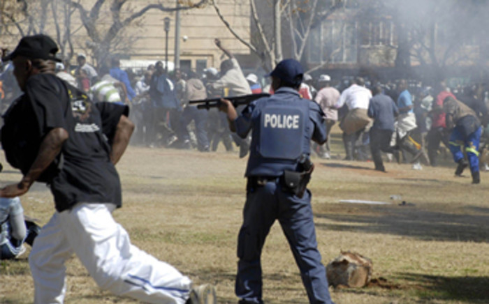 Police fire on protesting soldiers outside the Union Buildings. Picture: EWN