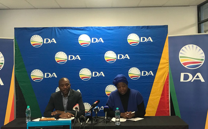 DA leader Mmusi Maimane (right) and party national spokesperson Refiloe Nt'sekhe address the media on the DA's 7 point plan to revitalise the South African economy. Picture: @Our_DA/Twitter.