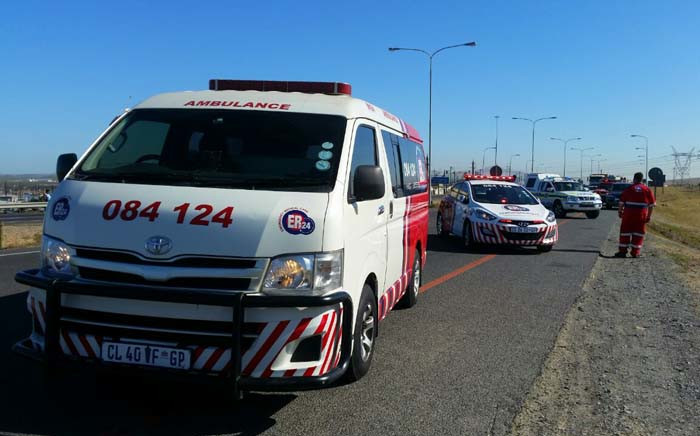 ER24 paramedics work at the scene of an accident in Cape Town that claimed a woman's life on the N7 highway. Picture: Twitter/@ER24EMS.