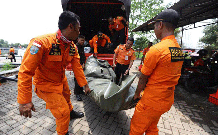 FILE: Members of a rescue team prepare to search for survivors from the Lion Air flight JT 610, which crashed into the sea, at Jakarta seaport on 29 October 2018. Picture: AFP