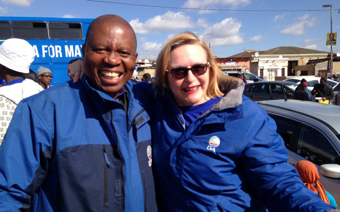 DA Joburg Mayoral Candidate Herman Mashaba and WC Premier Helen Zille campaigning in Alexandra . Picture: Masego Rahlaga/EWN.