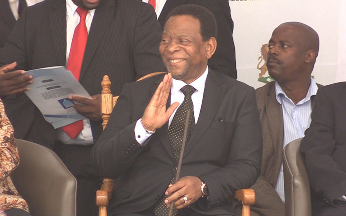 Zulu King Goodwill Zwelithini greets the crows during his peace Imbizo in KZN on Monday 20 April, 2015. Picture: Vumani Mkhize/EWN.