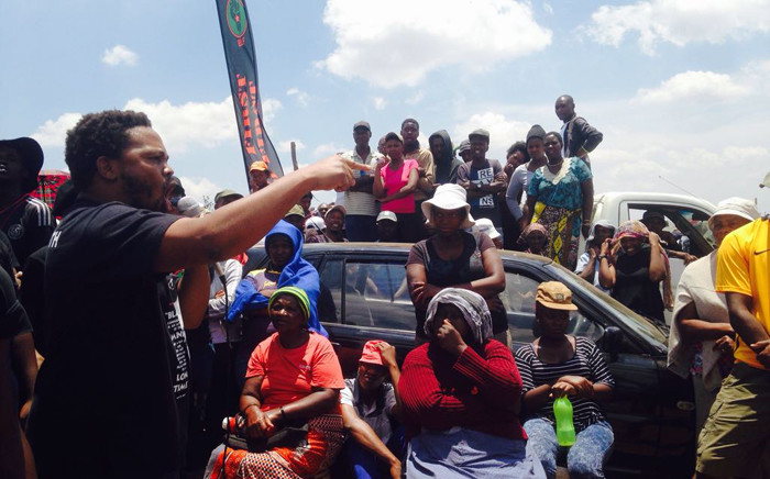 Black First, Land First leader Andile Mngxitama addressing Orange Farm residents. Picture: @Mngxitama/Twitter.