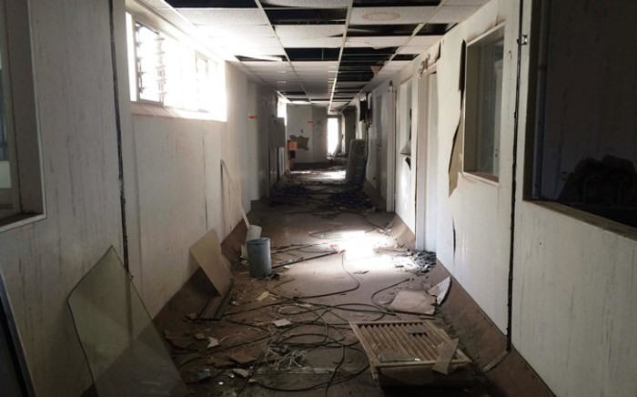 The Kempton Park Hospital closed its doors the day after Christmas in 1997 with millions of rand worth of equipment locked inside and there's still no clear explanation why. Picture: Christa Eybers/EWN.