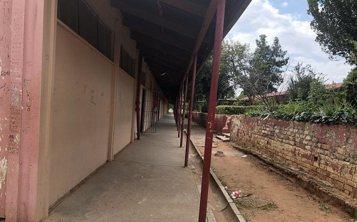 School grounds are empty at Riverlea High, with classes dismissed early today. Pupils have been sent home after being informed about the passing of three teachers who perished in an accident on Sunday. Picture: Ayanda Nyathi/EWN