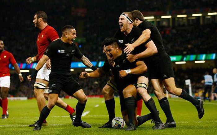 France take on the All Blacks in the 2015 Rugby World Cup on Saturday 17 October 2015. New Zealand beat France 62-13. Picture: @rugbyworldcup via Twitter.