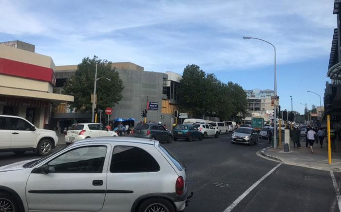 FILE: Cars, taxis and buses queuing in Claremont, Cape Town as load shedding takes out the traffic lights. Picture: Kaylynn Palm/EWN