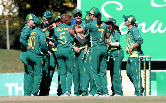 FILE: The Proteas women celebrate a wicket. Picture: @OfficialCSA/Twitter